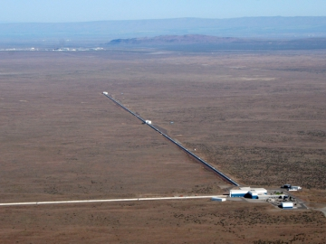Aerial photo of the LIGO gravitational wave detector in Hanford, USA (Credit: LIGO Laboratory)
